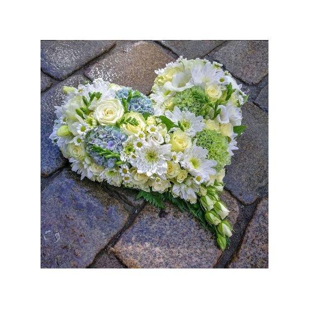 Hjerte til begravelse, hvitt med grønt
