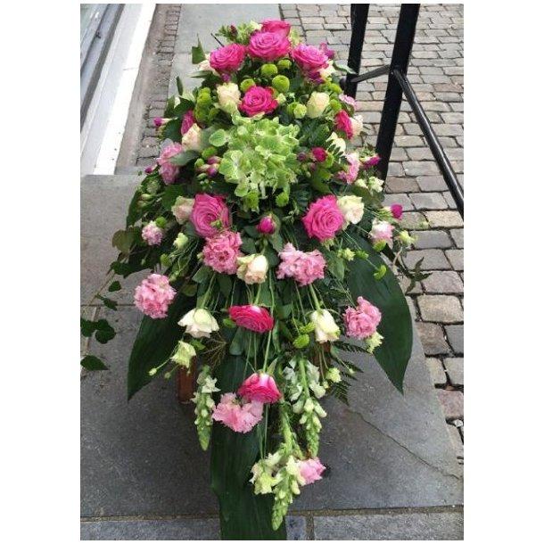 Kistedekorasjon med rosa